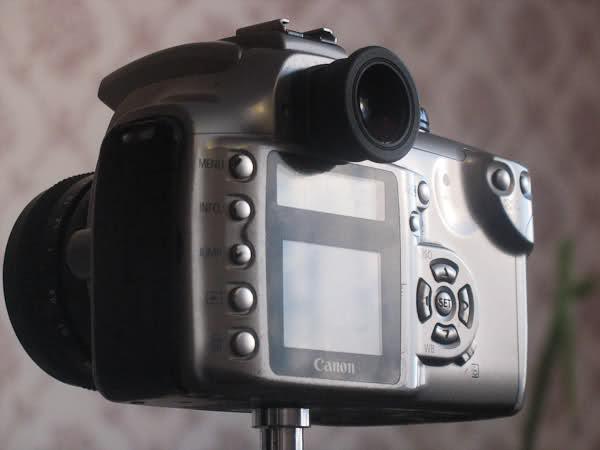 увеличитель видоискателя Tenpa 1.36x с маленькой резинкой-наглазником, на камере