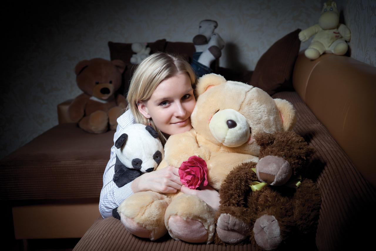 Девушка и медвежонок. модель: милая Настя